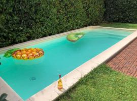 Villa Capri Apartment and Room, hotel with pools in Naples