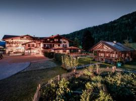 Hotel Bergzeit, Hotel mit Pools in Flachau