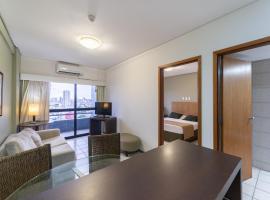 OTH1603 Flat na Ilha do Leite, Recife, um quarto. Fica em um dos mais importantes polos médicos do país, apartment in Recife