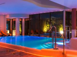 Villa Nicolli Romantic Resort, hotel a Riva del Garda