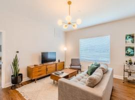 Abode Dallas - The Cedars Downtown, serviced apartment in Dallas