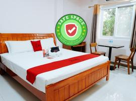 RedDoorz Plus near Camella La Brisa Lapulapu, hotel near Mactan Shrine, Cebu City