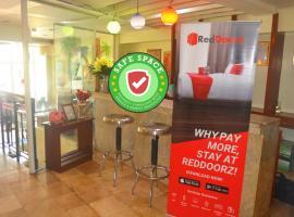 RedDoorz near SM Puerto Princesa, отель в Пуэрто-Принсеса