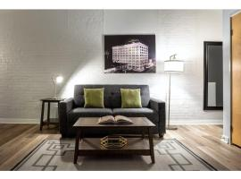Contemporary 2BR 2BA Apartment In Downtown Indianapolis, accommodation in Indianapolis