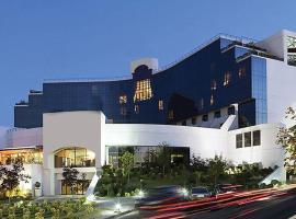 Mak Albania Hotel, hotel in Tirana