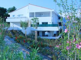 Résidence Bleu Horizon 2, hotel in La Ciotat