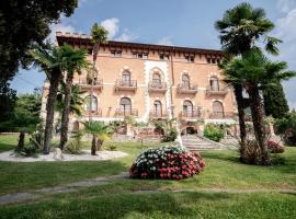 Hotel Bellevue, hotell i Gardone Riviera