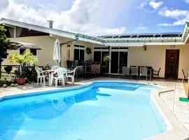 TAHITI - Sanny's Place Family Room & Poo, apartamento em Punaauia