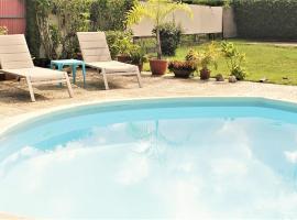 TAHITI - Sanny's Place Room & Pool, apartamento em Punaauia