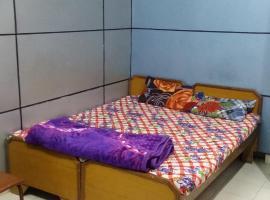 Sahara guest house, room in Jhānsi