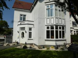 The Kenmore Guest House, hotel near Maesdu Golf Club, Llandudno