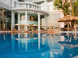 Novotel Ha Long Bay Hotel, hotel en Ha Long