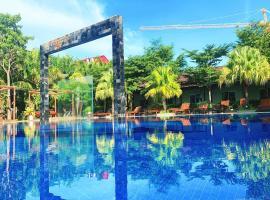 Twin Palms Resort, hotel in Sihanoukville