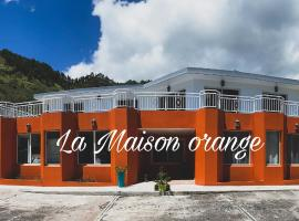 La Maison Orange, guest house in Moorea