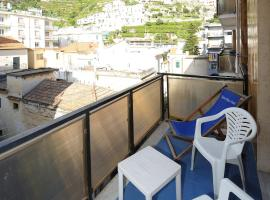 Apartment with 2 bedrooms in Maiori with wonderful mountain view furnished balcony and WiFi 70 m from the beach, pet-friendly hotel in Maiori