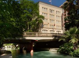 Drury Inn & Suites San Antonio Riverwalk, hotel near River Walk, San Antonio