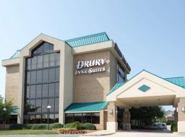Drury Inn & Suites Charlotte University Place, hotel in Charlotte