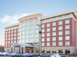 Drury Inn & Suites Charlotte Arrowood, hotel in Charlotte
