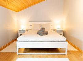 Cozy 1 BR Apartment With Free Public Parking-130m Away, Hotel in der Nähe von: National Museum for Historical Vehicle, Diekirch