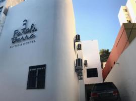 Farol da Barra Suites e Hostel, hostel in Salvador