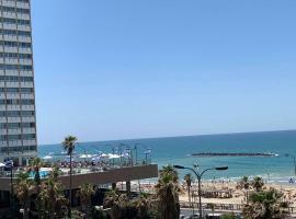 דירה מול חוף גורדון נוף מלא לים, apartment in Tel Aviv