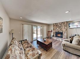 Ski-In, Ski-Out! Updated Slope-View Basecamp Duplex, apartment in Big Bear Lake