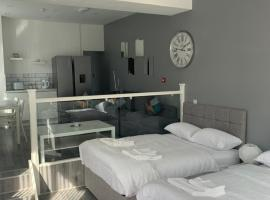 Smeaton Street Accommodation, hotel near Aintree Racecourse, Liverpool
