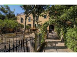Aparthotel Villa King Arthur Agrigento, camera con cucina a Agrigento