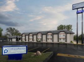 BridgePointe Inn & Suites by BPhotels, Council Bluffs, Omaha Area, hotel near Eppley Airfield - OMA, Council Bluffs