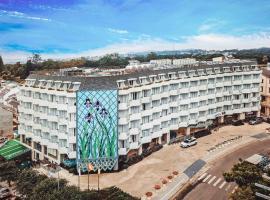 Golf Valley Hotel, spa hotel in Da Lat