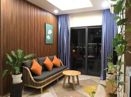 "Monarchy Apartment - "" Like your home "" - River View, apartment in Danang"