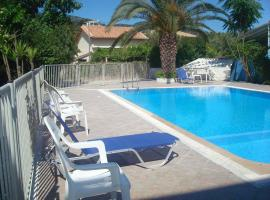 Polyxenis Rooms, serviced apartment in Lygia