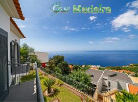 Casa Amaro Sol by OurMadeira, hotel en Calheta