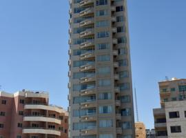 Code Housing - Fintas - family only، شقة في الكويت