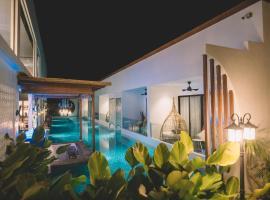 La Villa Langkawi - Private Pool, villa in Pantai Cenang