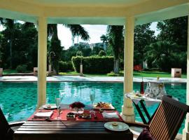 Tajview – IHCL SeleQtions, hotel near TDI Mall, Agra, Agra