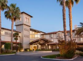 DoubleTree by Hilton Campbell - Pruneyard Plaza, hotel near Children's Discovery Museum of San Jose, Campbell