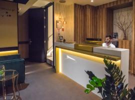 Hotel DAOS, hotell i Marbella