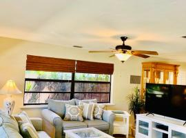Updated Naples Beachhouse, vacation rental in Naples