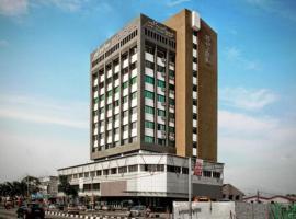 松樹酒店,峇株巴轄的飯店