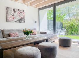 Exklusiv Wohnen in hervorragender Lage mit privater Sauna, 3 SZ, 2 Bäder und Terrasse, Ferienhaus in Timmendorfer Strand