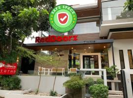 RedDoorz Plus near Villa Lagos Pansol, hotel in Laguna