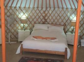 Eldorado Yurt, luxury tent in Algarrobo