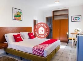 OYO Athenas Apart Hotel, hotel in Campo Grande