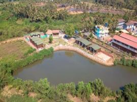Namo Namah Resort, hotel with pools in Old Goa