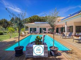 Villa with 7 bedrooms in Sesimbra, with private pool, enclosed garden and WiFi, hotel in Sesimbra