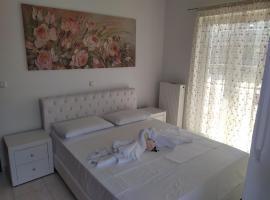 Cozy Modern Apartment near the Airport, apartment in Artemida
