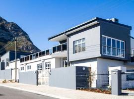 Whale Coast Ocean Villa, guest house in Hermanus