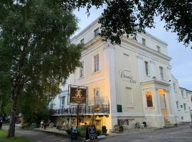 Clarence Court Hotel, hotel in Cheltenham
