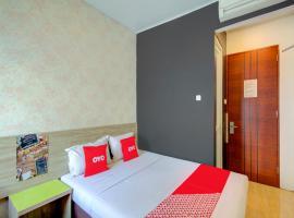 OYO 4005 Bunga Dahlia Guest House, hotel near Gambir Station, Jakarta